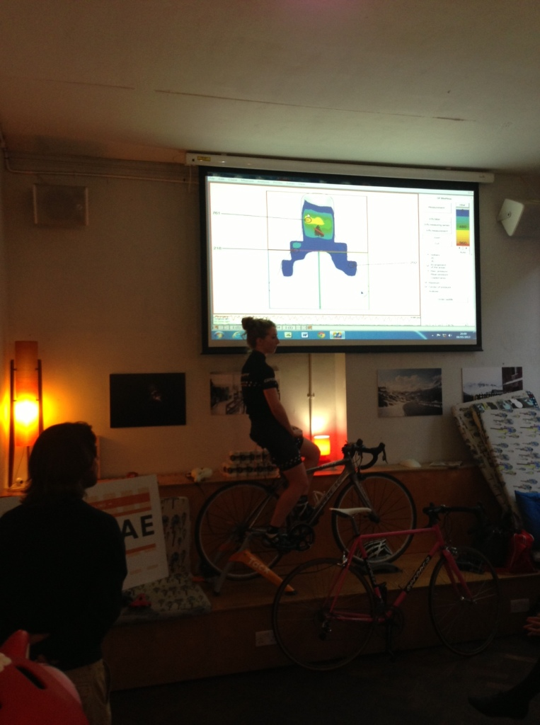 Here I am being the guinea pig to demonstrate the new pressure mapping facility (gebioMized) that Cyclefit now offers.